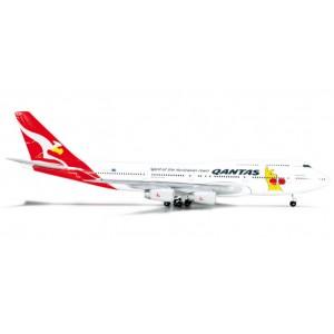 """Qantas Boeing 747-400 """"Boxing Kangaroo"""" - VH-OJU"""