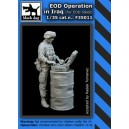 EOD Operation Soldier in Iraq War (for EOD Robot)
